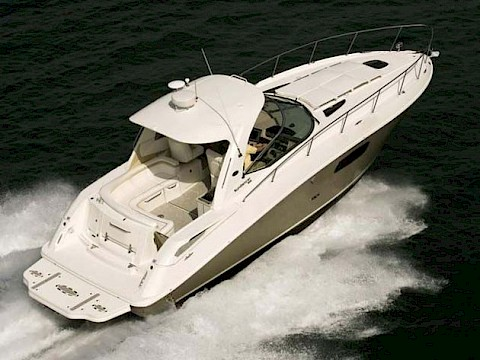 "Sea Ray 37 Sundancer - ""Split Decision"""