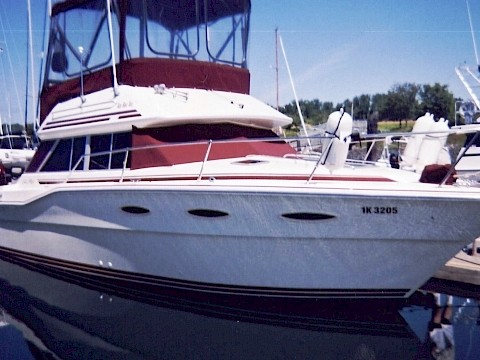 "Sea Ray Commandbridge 30 - ""Miss Molly"""